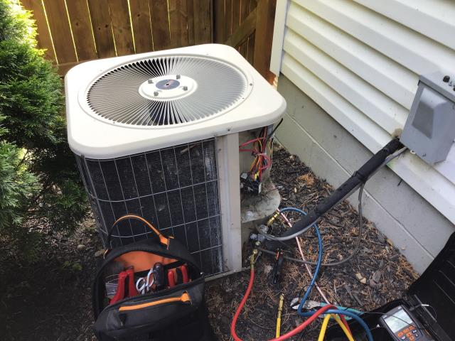 Gahanna, OH - Replaced blow motor on Lennox A/C unit. Went over estimate for new Carrier system with owners.