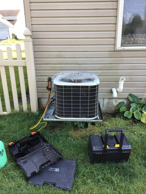 Blacklick, OH - Bryant system not cooling properly. Added Freon-