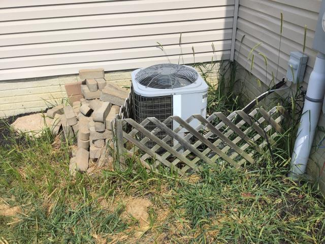 Performed tune up and check out on COMFORTMAKER A/C UNIT.