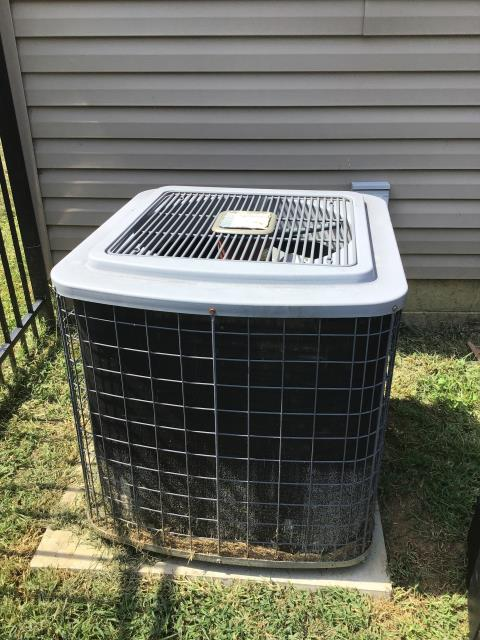 Lithopolis, OH - Service call on TEMPSTAR a/c unit. Unit not cooling  found 70/5 capacitor with no charge and disconnect with some light damage.