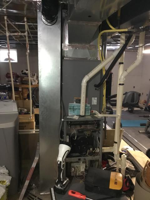 Lithopolis, OH - Technician diagnosed faulty circuit board that was shorting out on a Comfortmaker furnace. The customer chose to attempt to purchase a board on his own and repair it himself.