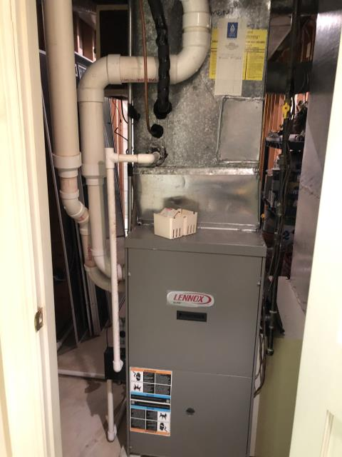 New Albany, OH - Diagnostic service performed on the Lennox 88,000 BTU 90% Gas Furnace unit. Confirmed that the system is working within manufacturer specifications.  Pictured is the customer's Lennox 88,000 BTU 90% Gas Furnace Unit.