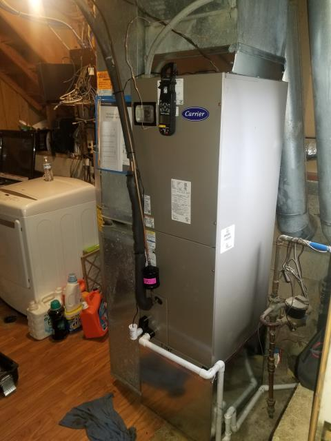 Groveport, OH - 	Performed Our Special Tune-Up & Safety Checkout On a Carrier  Gas Furnace To Keep Furnace Running At Highest Performance For The Winter Season