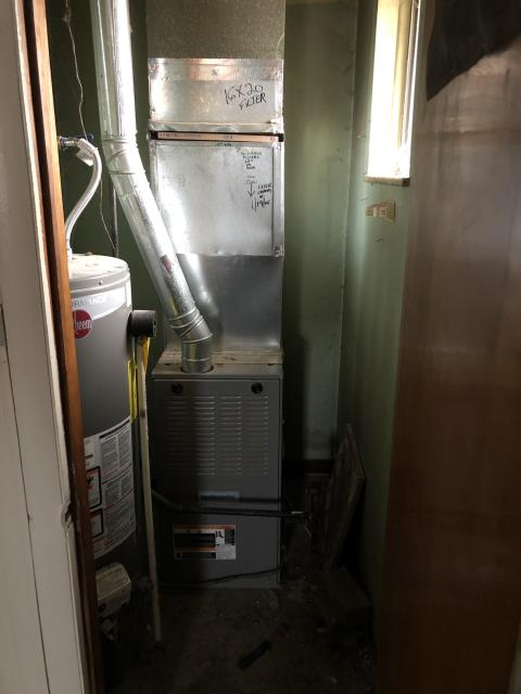 Groveport, OH - Performed Our Special Tune-Up & Safety Checkout On a Lennox Gas Furnace To Keep Furnace Running At Highest Performance For The Winter Season