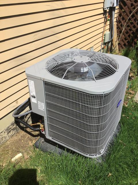 Reynoldsburg, OH - Performed A/C tune-up on a  2018 Carrier 14 SEER 2.5 ton Heat Pump. System is now running a peak performance.