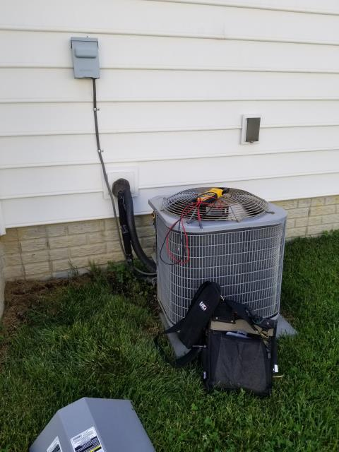 Westerville, OH - Seasonal maintenance on Carrier AC. All is working well at this time.