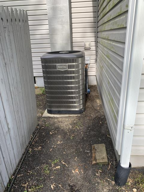 Carroll, OH - Found Magtag Heat Pump unit trying to turn on but condenser fan motor is not spinning. Motor tries to come on but will not. Module is burnt up for Econ motor. Gave quote for repairs and replacement options.