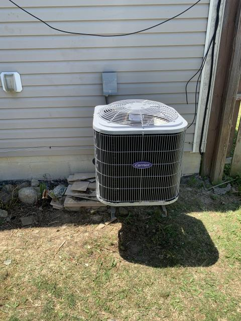 Grove City, OH - i installed a new Carrier 13 SEER 2 Ton Air Conditioner