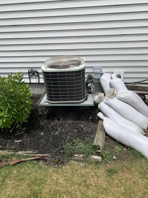 Pataskala, OH - Provided quote for Carrier 96% gas furnace and 16 SEER 2.5 ton AC. Pictured below is the current AC.