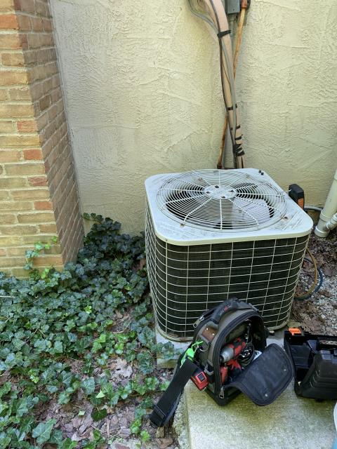 Lewis Center, OH - Found Bryant AC low on refrigerant. Added 4.5 pounds of R-22. System cooling properly at departure.