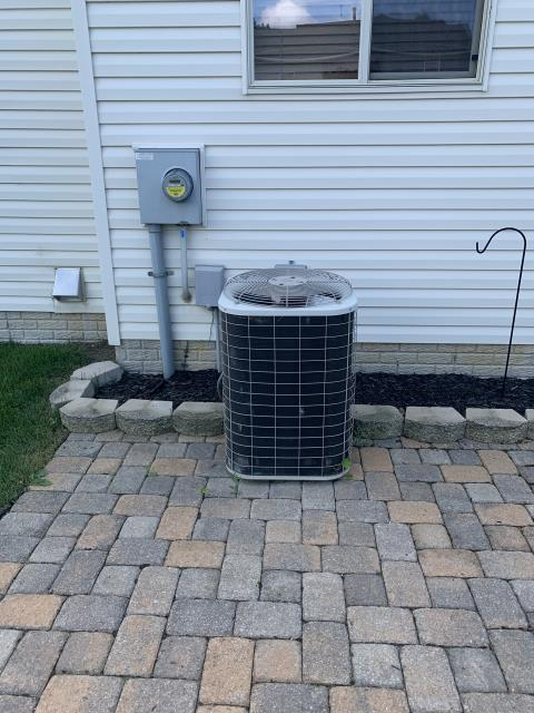 Canal Winchester, OH - Found Bryant AC low on refrigerant. Instead of repair, customer has decided to have Carrier equipment installed.