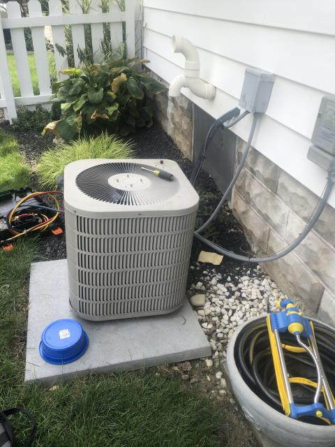 Canal Winchester, OH - Found compressor on Carrrier AC not engaging. Added hard start, and compressor engages, but it is still very weak. Customer decided to replace with new Carrier equipment.