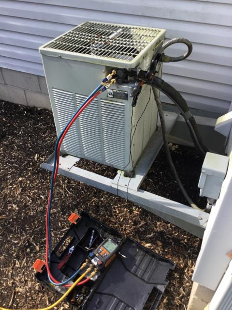 Blacklick, OH - Performing our Five Star Tune-Up & Safety Check on a  1999 Trane . All readings were within manufacturer's specifications, unit operating properly at this time.