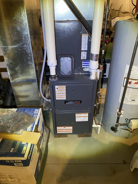 Pickerington, OH - the thermostat won't turn the furnace on or air. I Found door to be off of furnace and breaker switched off. Put door back onto furnace flipped breaker back on. Checked system in heating and cooling mode,  the 2016 Goodman system operating normal.