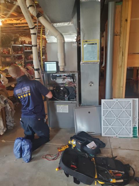 Lithopolis, OH - 	I am Performing our Five Star Tune-Up & Safety Check on a  2005 Gas Furnace. All readings were within manufacturer's specifications, unit operating properly at this time.