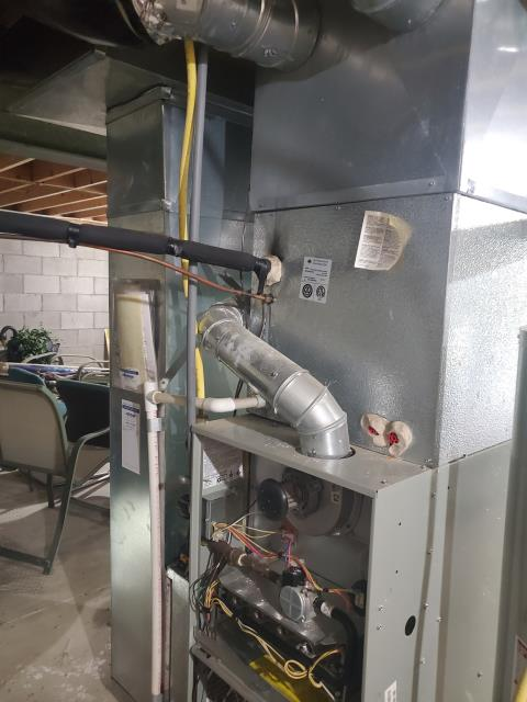 Lithopolis, OH - I am Performing our Five Star Tune-Up & Safety Check on a  2005 Trane Gas Furnace.  All readings were within manufacturer's specifications, unit operating properly at this time.