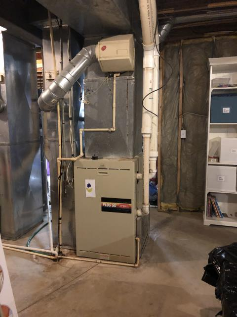 "Carroll, OH - I gave an estimate to replace a Bryant gas furnace and AC unit.  I recommend replacing it with a Carrier ""Infinity Series"" 96% Variable Speed Two-Stage 120,000 BTU Gas Furnace and 	 Carrier ""Infinity Series"" 18 SEER Variable-Speed 5 Ton Heat Pump.  Included in the estimate is a 1 year free service maintenance agreement."
