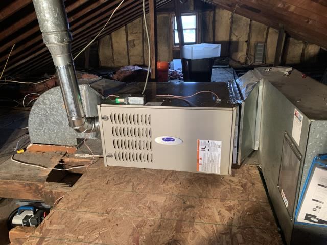 Columbus, OH - Upon inspection, I found the voltage wires coming to the furnace had loose connections. I tightened the connections and cycled the furnace and was now unable to cause the issue. System is operational upon departure.