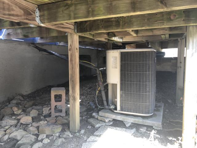 New Albany, OH - I completed the job specifications for relocating the Lennox air conditioner.   I gave the client an estimate for the relocation.