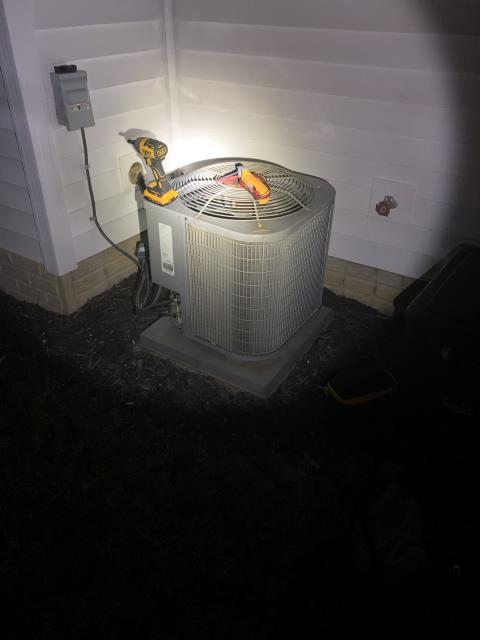 Dublin, OH - I completed a diagnostic on a Comfortmaker Air Conditioner. I determined that capacitor needs replaced. Sent customer options for repair and replacement.