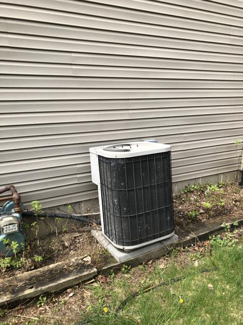 Powell, OH - I completed a diagnostic on a Goodman Air Conditioner. I determined that the condenser was struggling to run and the compressor was to run the fan motor. Due to age and cost of repairs seen and unseen I recommended replacing the system. Install is schedule for following day.