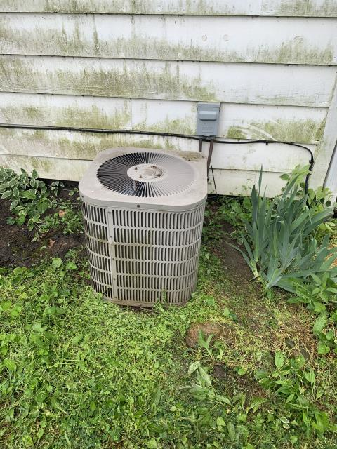 Groveport, OH - I completed a diagnostic service call on a Goodman air conditioner. I determined that the unit that coils needed to be cleaned. Turned on breaker and the unit is now operating properly.