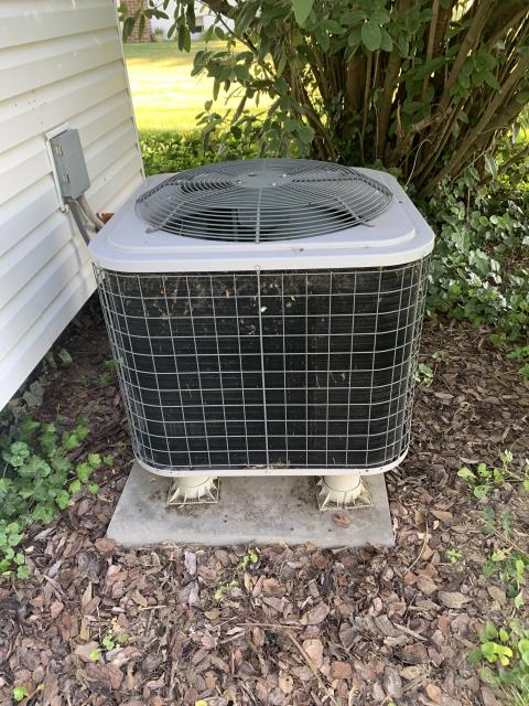 Groveport, OH - I completed a diagnostic service call on a Comfortmaker heat pump, I found that the screen is broken on the dynamic filter system. I went over options with the customer.