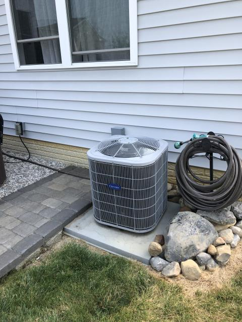 Delaware, OH - I arrived on site to perform an inspection of a Carrier air conditioning unit. During the inspection I found that the unit was low on R-410A refrigerant, causing it to not blow out cold air. I refilled the R-410A refrigerant and the unit was running at full functionality at the time of departure.