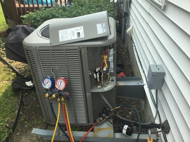 Blacklick, OH - I completed a diagnostic on a Lennox air conditioner. I determined that there is a leak. was unable to locate it at this time. Returning to finish the leak search.