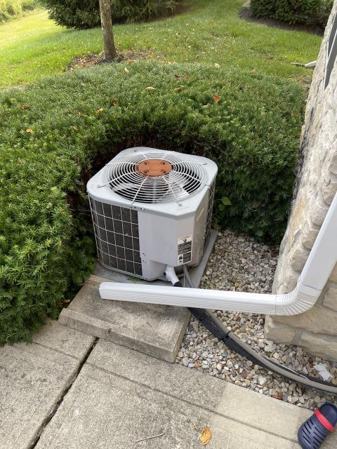 Dublin, OH - I completed a diagnostic on an air conditioner. I determined that the system has a leak and is low of charge. Provided the customer with repair options.