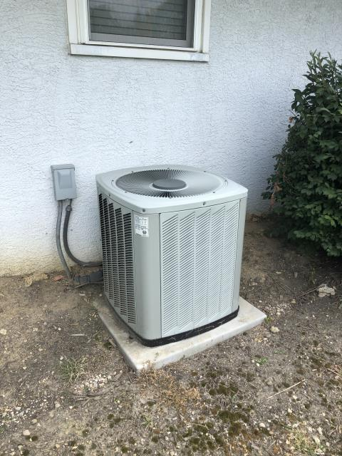 Columbus, OH - I completed a diagnostic on an American Standard air conditioner. I determined that the capacitor has failed and the thermostat needs replaced. I replaced both and cleaned off outdoor unit with water. System was operational at time of departure.