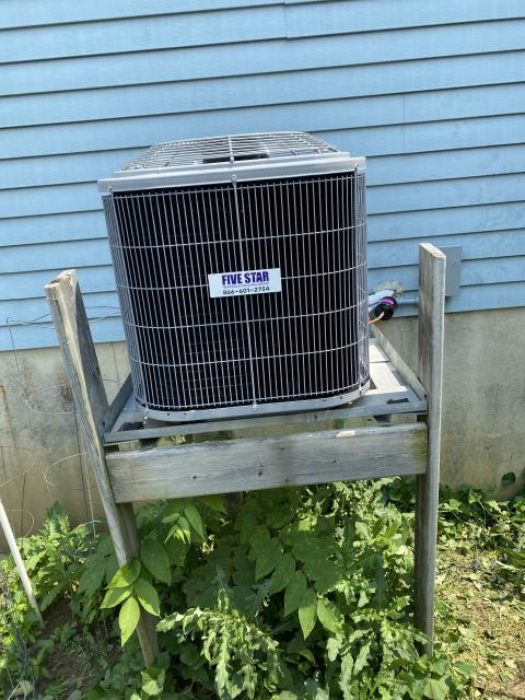"""Columbus, OH - I installed a Five Star 80% 70,000 BTU Gas Furnace 3T 14"""" and a Five Star 13 SEER 2 Ton Air Conditioner.  Included in the install is a 1 year free service maintenance agreement."""