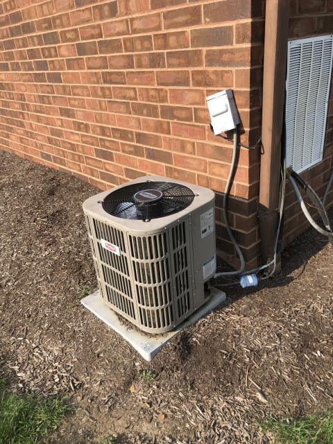 Reynoldsburg, OH - I completed a diagnostic on a Brothers air conditioner. I determined that  the system was completely out of refrigerant. Due to age, condition and cost of repairs both seen and unseen I recommend replacing.