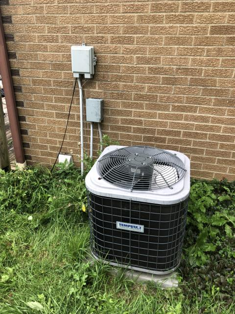 Westerville, OH - I completed a diagnostic on a Tempstar air conditioner. I determined that the customers breaker box has gone bad and they will need an electrician to come fix it.