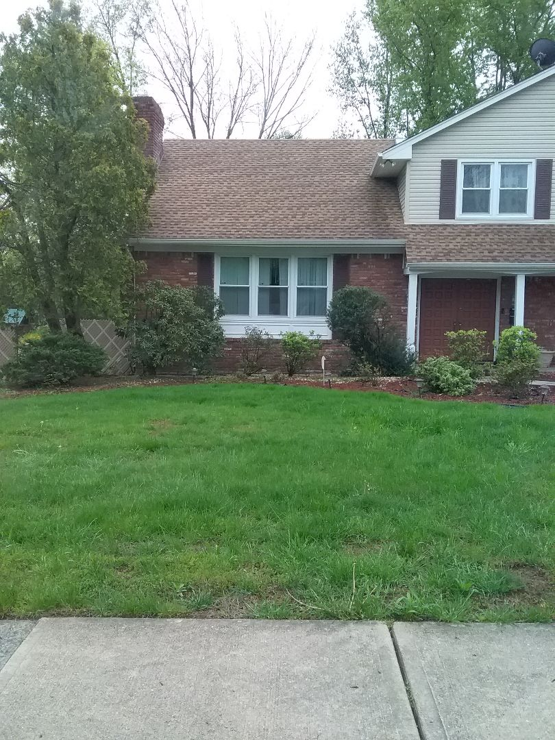 Wayne, NJ - Applying granulated fertilizer, lime, and treating for weeds, for a guaranteed green lawn!!! =)