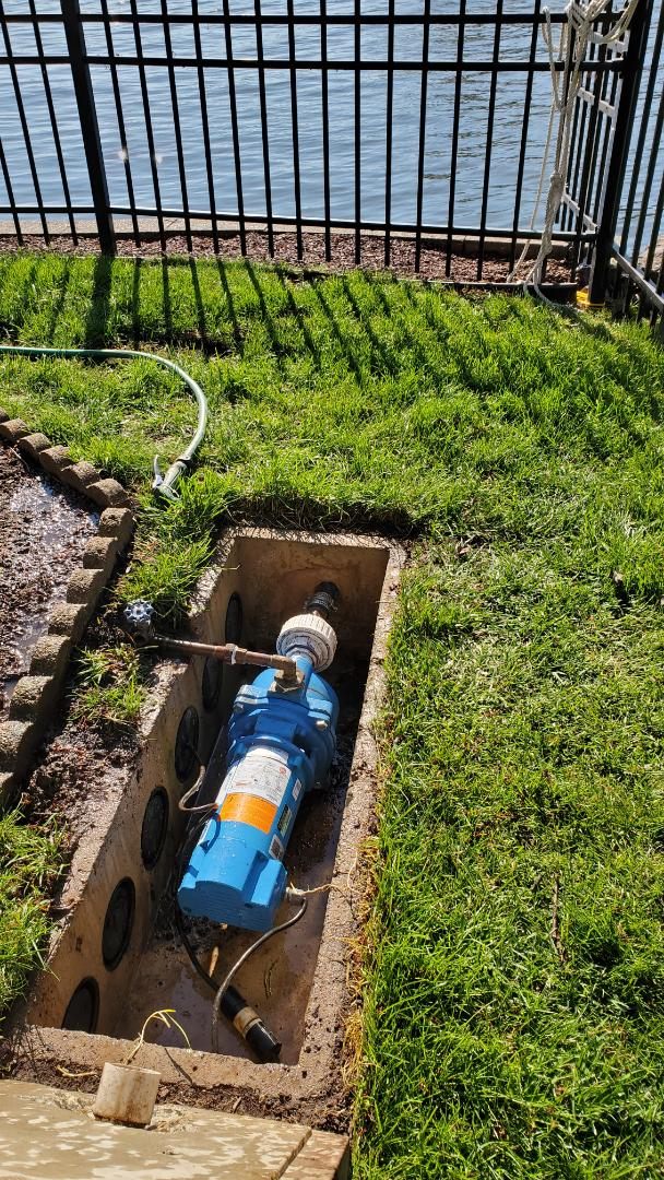 Start up irrigation system pulling out of a lake.
