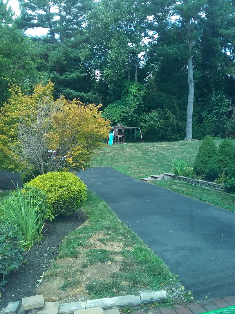 Hackettstown, NJ - Treating lawns with care