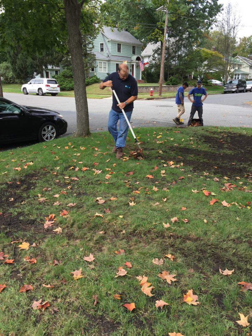 Westfield, NJ - Making the yard nice and tidy after an install