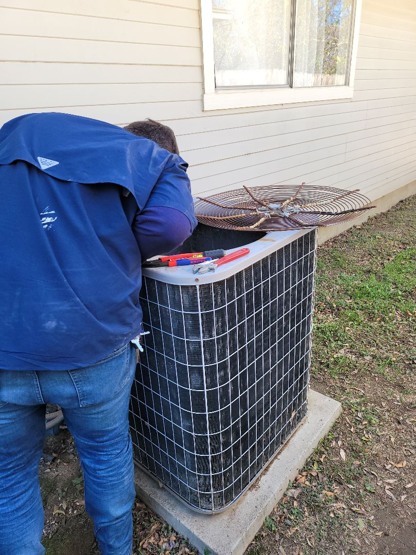 Austin, TX - Found faulty condenser fan motor,replaced and all ops are now good