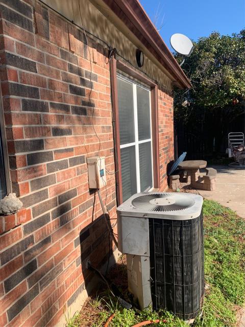 Keller, TX - Repaired a heat pump unit in Keller.