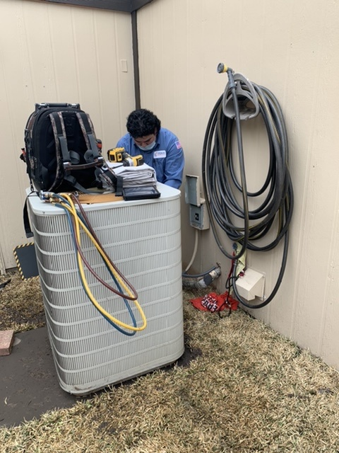Fort Worth, TX - Performed an AC tune up on a heat pump in Fort Worth.