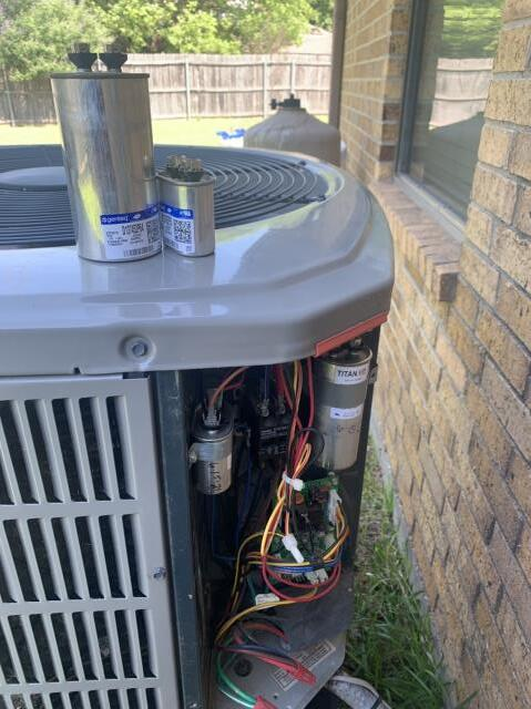 Fort Worth, TX - Replaced a capacitor on this heat pump in Fort Worth