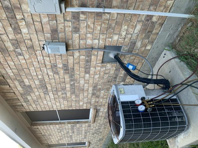 Haslet, TX - Performed a Freon leak search on this unit in Haslet