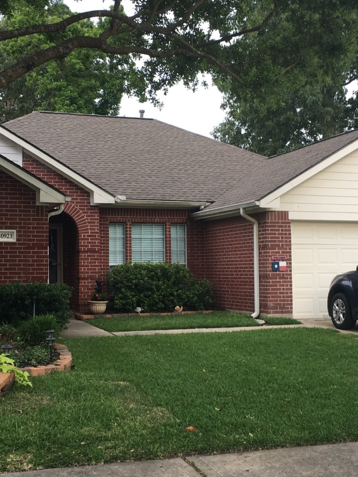 Spring, TX - Replaced roof with GAF Timberline shingle