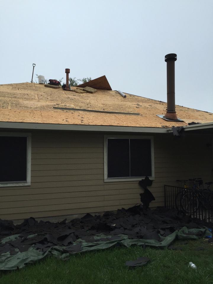 Tomball, TX - Eldridge Roofing in progress at Jason Browns house