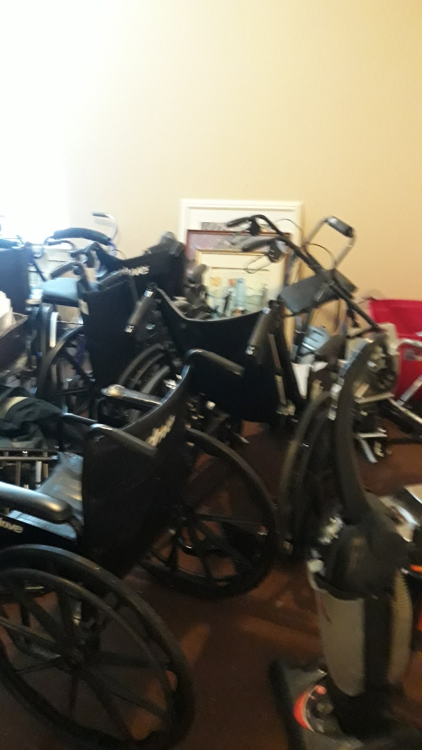 Gulf Breeze, FL - Remove a lot of old wheelchair and other parts and debris
