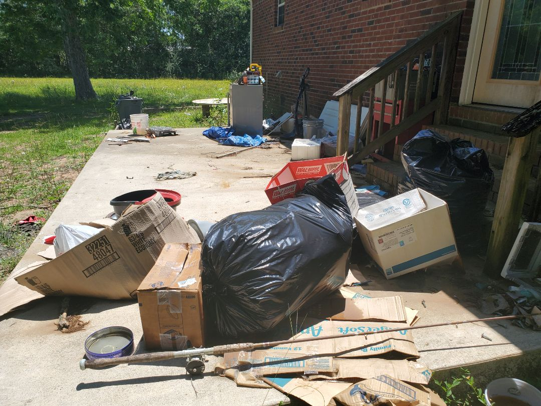 House and yard clean up and junk removal for client who's tenant left alot of trash.  ??