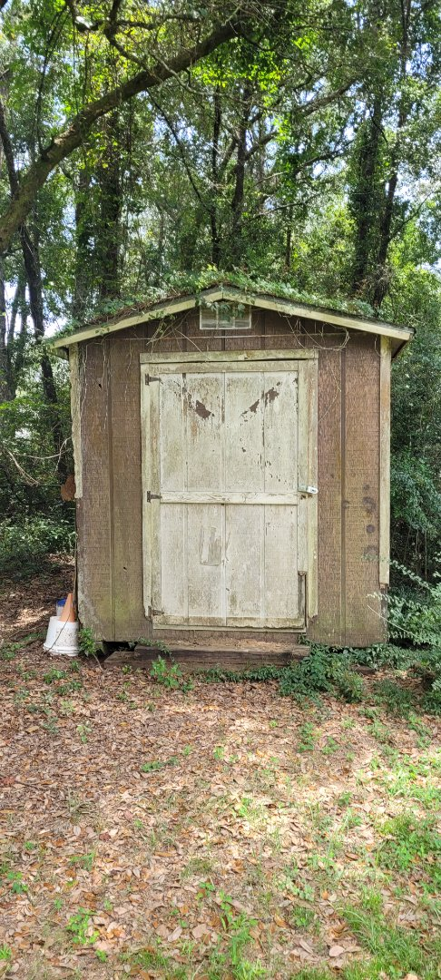 Got a call to come and demo and removal of this shed in Pace Fl