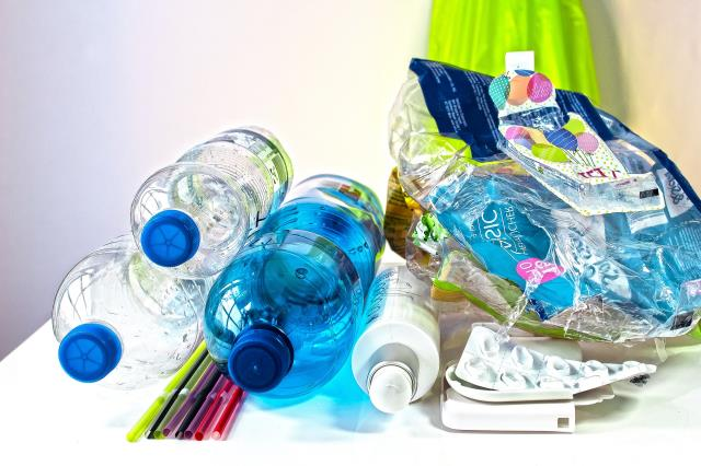 Clean Your House With Our Home Junk Removal Service.