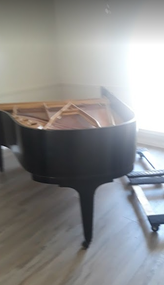We take pride in helping residents with removing their junks including a piano that is doing nothing but collecting dust.